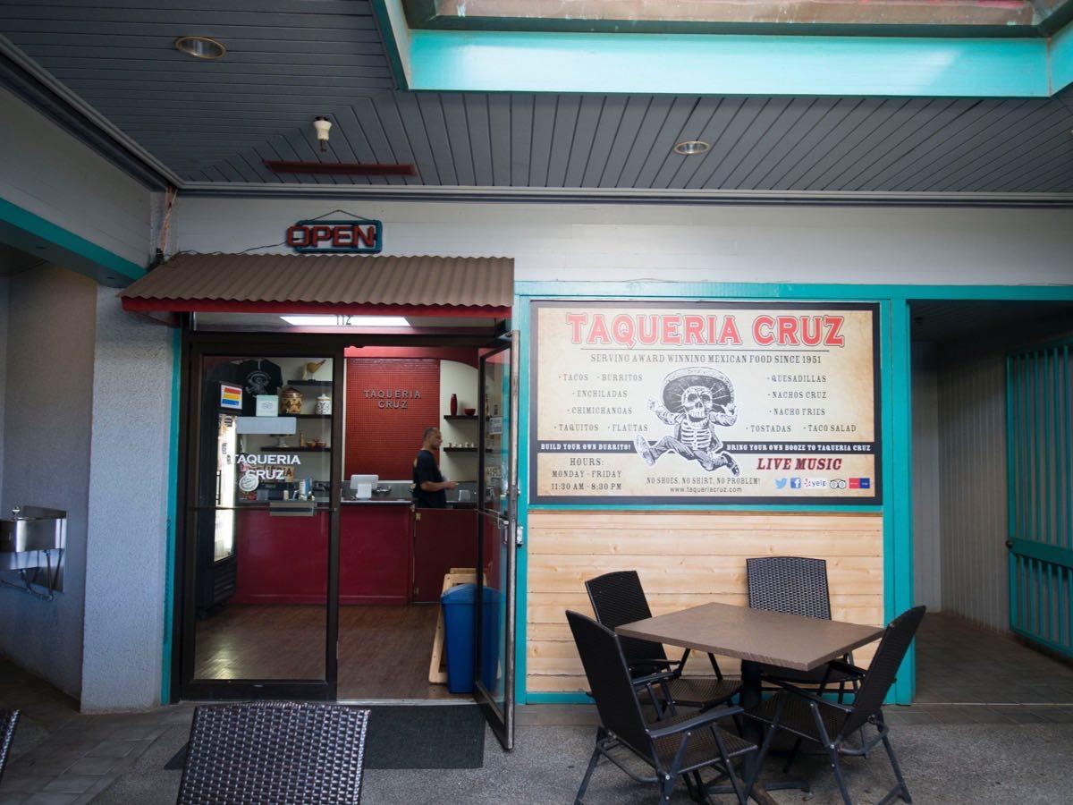 Tacqueria Cruz Shop Front