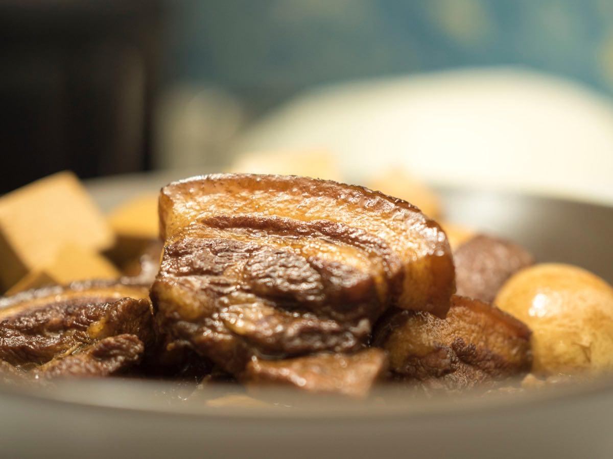 fred-lins-mamas-braised-pork-closeup