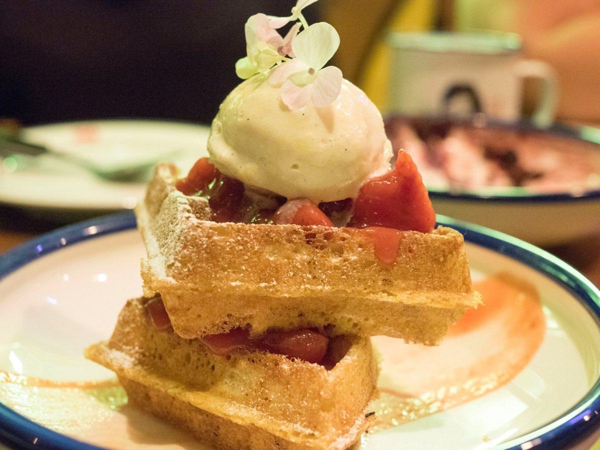 daimon-bistro-corn-waffle