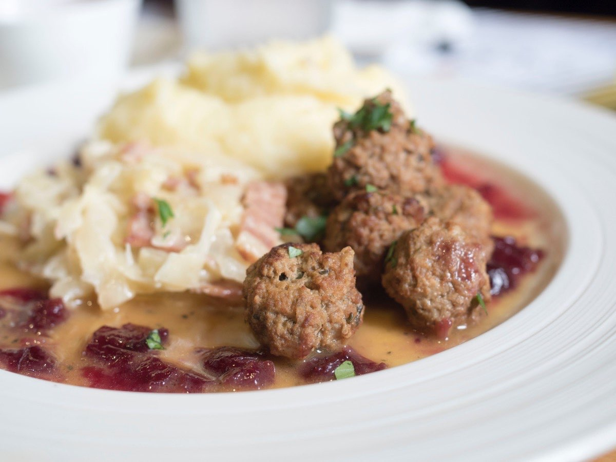 Ikea style meatballs and mash with gravy and jam